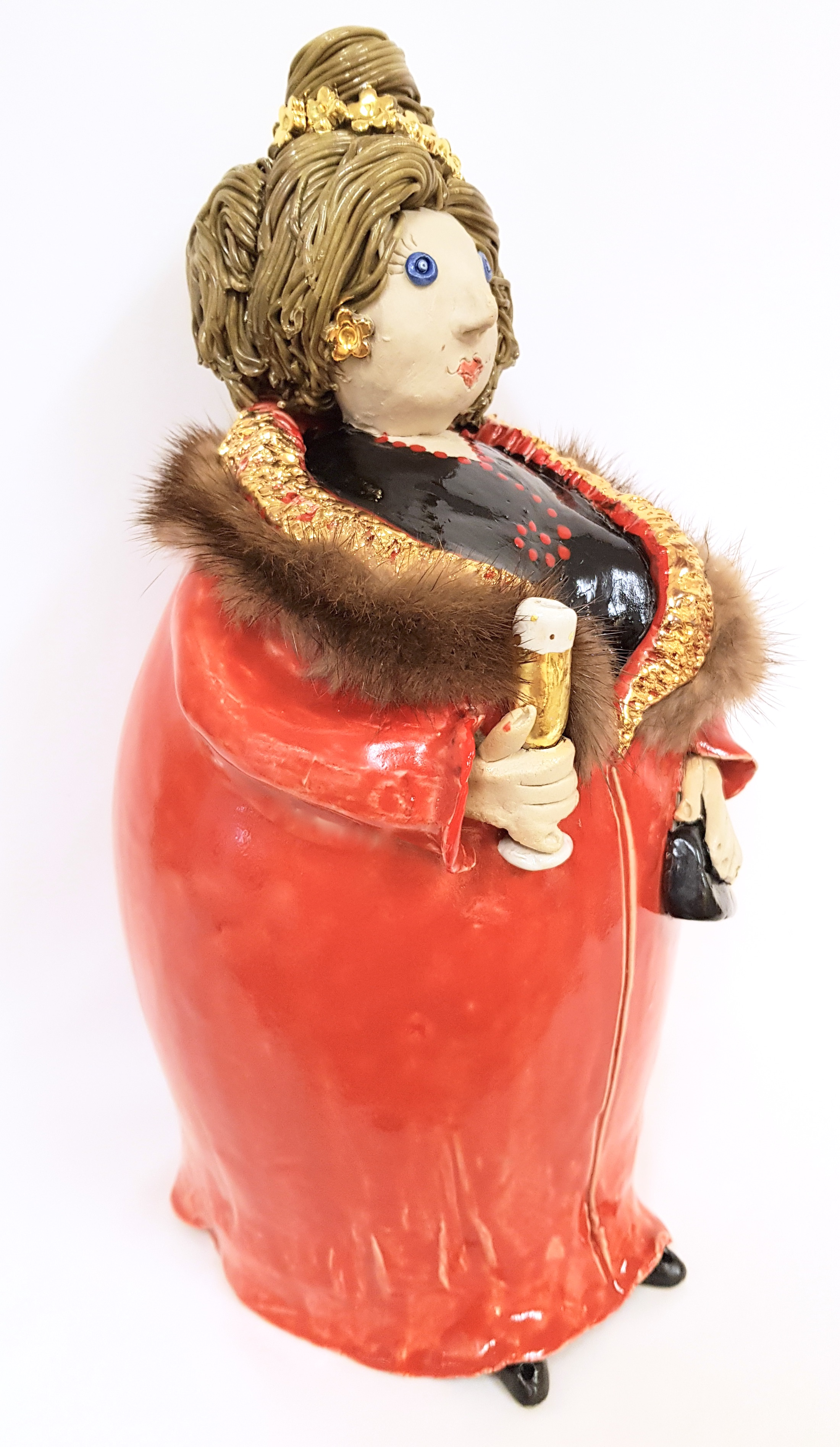 Diva in red, Töpferei la Ceramica Basel, Unikat, Keramik, Frauenpower, Töpferkurse, Teamevent