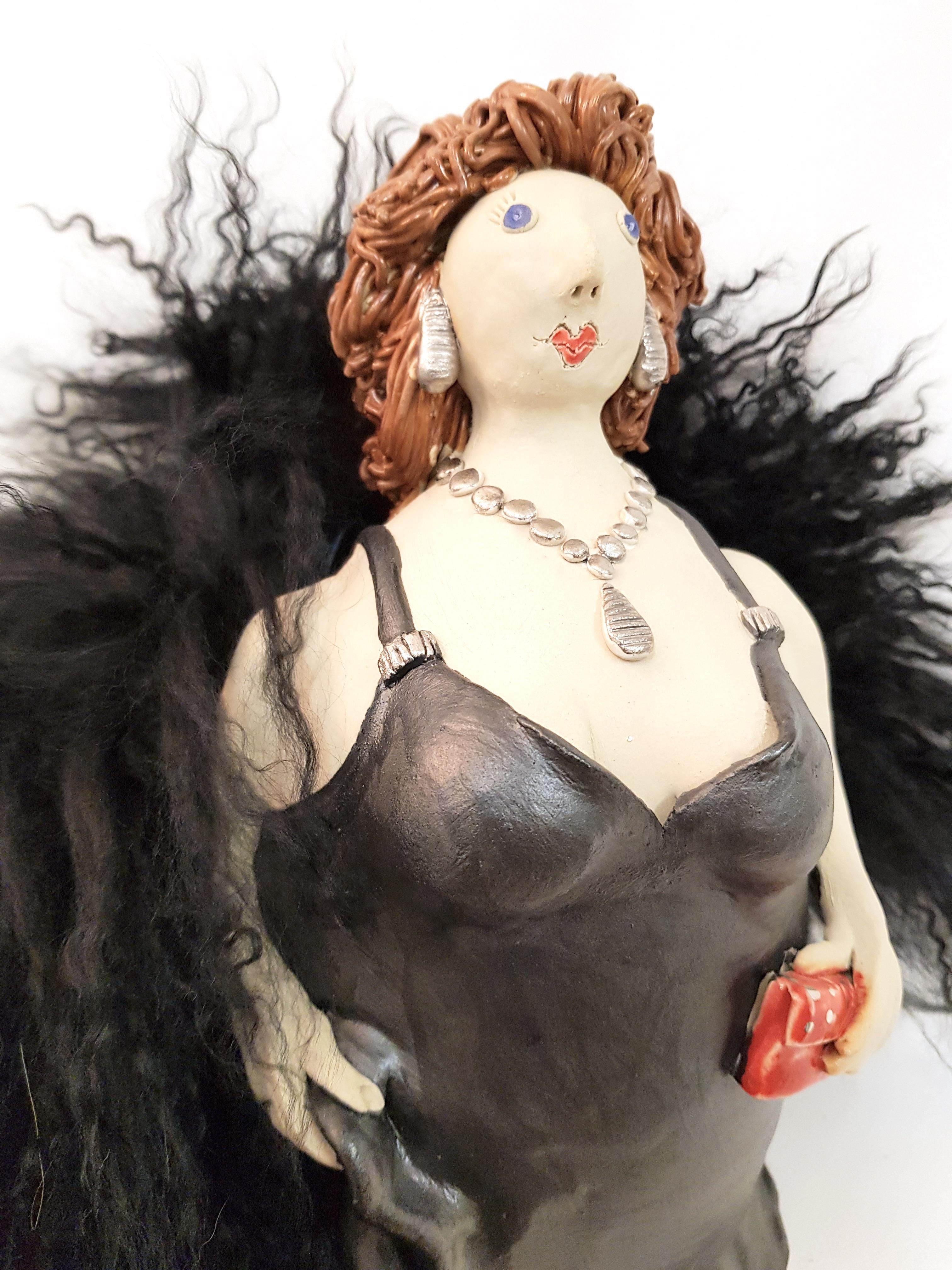 Diva little black dress, Töpferei la Ceramica Basel, Unikat, Keramik, Frauenpower, Töpferkurse, Teamevent